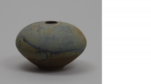 Gerry Williams, vase, about mid-1980s, stoneware. Gift of Susan E. Hardy, Nancy R. Wilsker, Sarah A. Stahl, and John S. Stahl in memory of their parents, Barbara J. and David G. Stahl, Class of 1947; 2014.73.20.