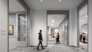Three smart study galleries within the Bernstein Center for Object Study. Photograph © Michael Moran.