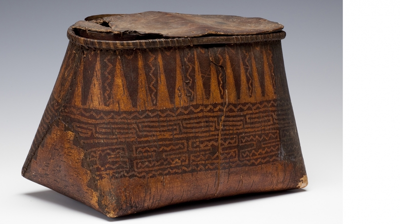 Unknown people (Woodlands), Container Depicting the Cosmological Universe and on the Underside Two Thunderbirds, about 1800, birch bark, wood, spruce root, twine (added later). Hood Museum of Art, Dartmouth: Museum Purchase; 163.66.15194.