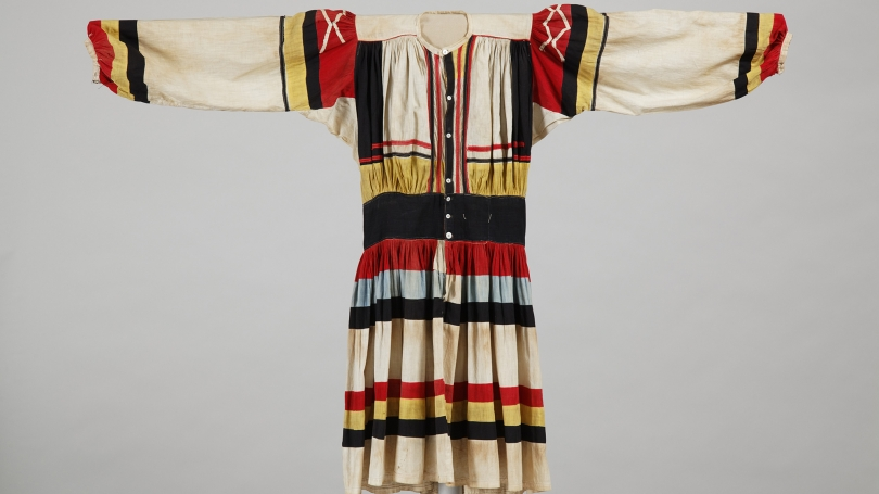 Seminole, Man's Focsikchobee (Big Shirt), about 1900, cotton cloth, dye, buttons, thread. Hood Museum of Art, Dartmouth: Bequest of Frank C. and Clara G. Churchill; 46.17.9956.