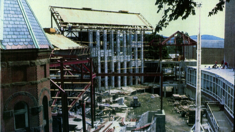 Constructing the original Hood Museum of Art facility, which opened in 1985.
