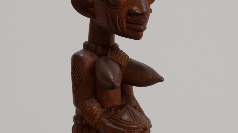 Lamidi Fakeye, Yoruba kneeling female figure holding a bowl