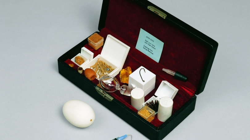 George Maciunas, Gift Box for John Cage: Spell Your Name with These Objects