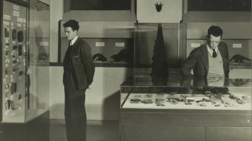 Students at a museum exhibition, about 1930s. Courtesy of the Dartmouth College Library.